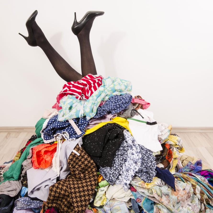 """Onko mahdollista, että tässä kasassa olisi muutama paita liikaa? Kuva: <span class=""""photographer"""">Shutterstock</span>"""
