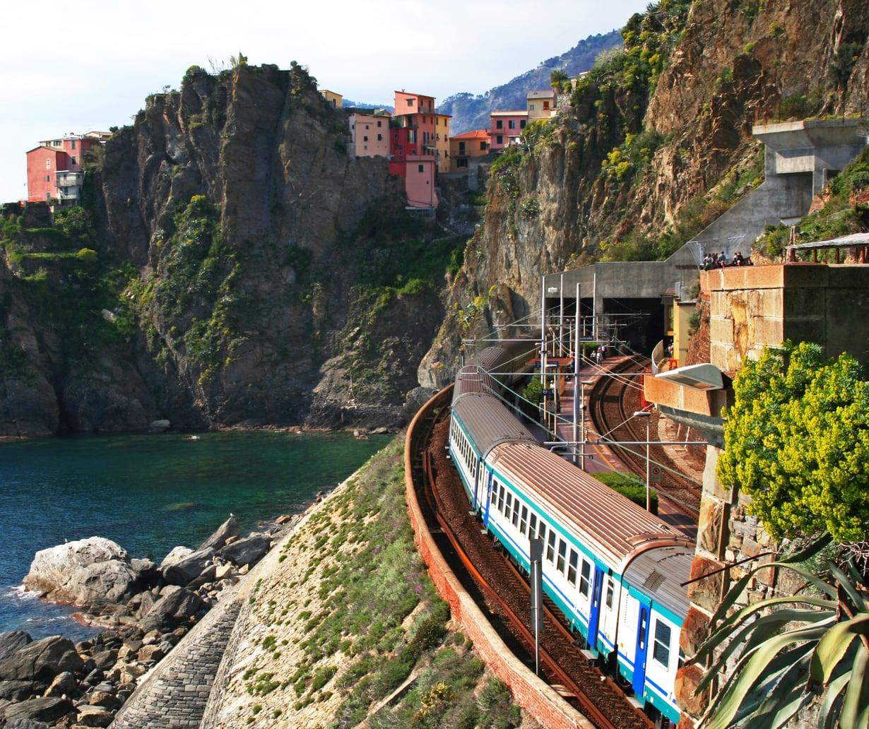 Cinque Terre Italiassa on vain muutaman junamatkan päässä.
