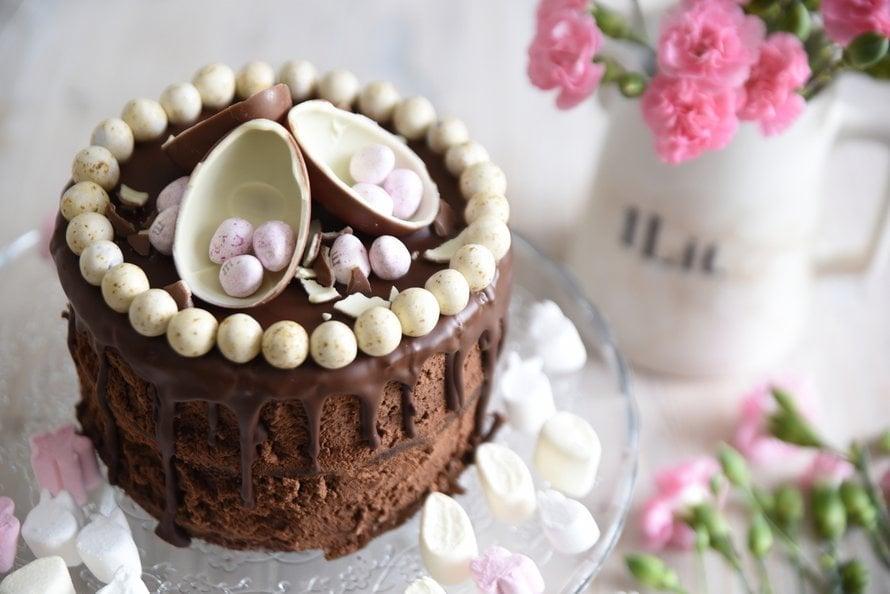 """Näin näyttävä kakku syntyy käden käänteessä! Kuva: <span class=""""photographer"""">Ruususuu & huvikumpu -blogista</span>"""
