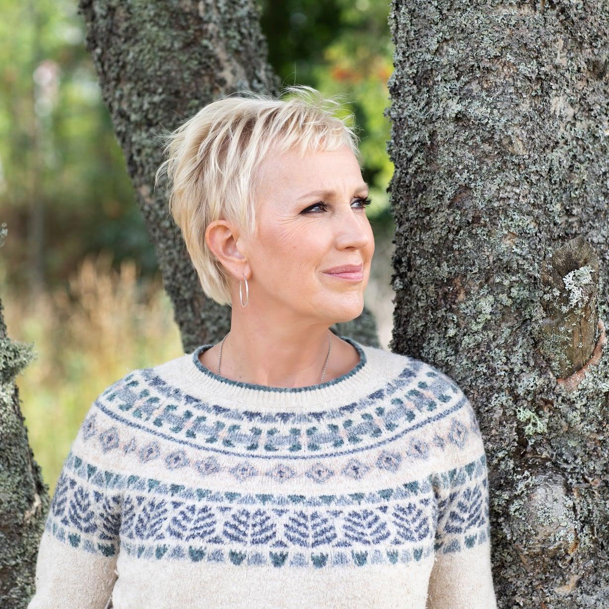Näyttelijä Merja Larivaara perheineen palasi viime keväänä takaisin Oulusta Porvooseen.