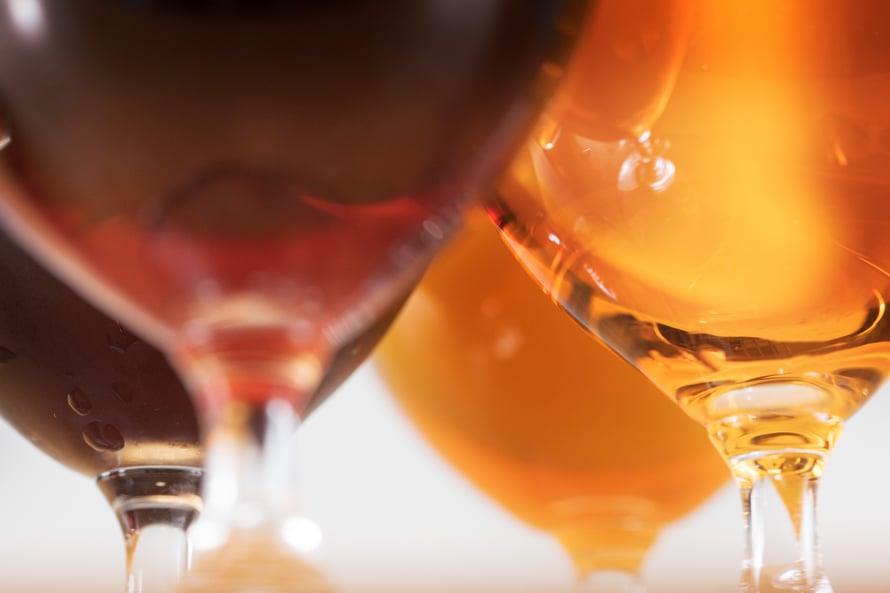 Suomalaiset kuluttivat 10,4 litraa sataprosenttista alkoholia jokaista yli 15 vuotiasta kohden vuonna  2018 (THL).