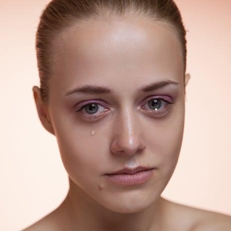 Itkeminen Päänsärky