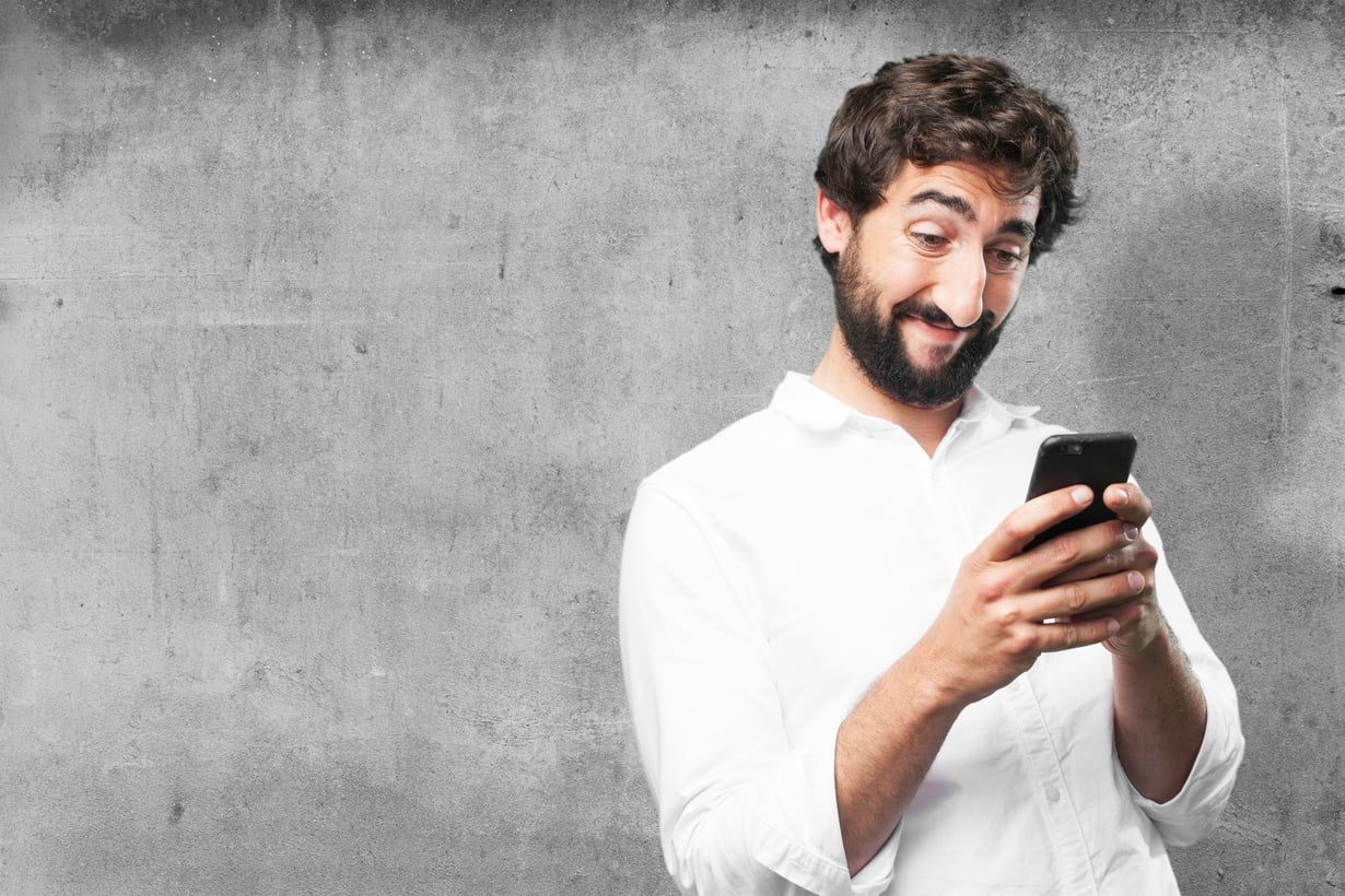 Nyt tulee hyvä selfie! Kuva: Shutterstock