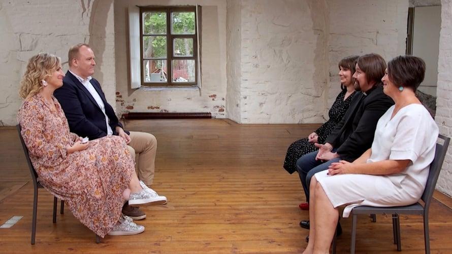 Asiantuntijat Marianna Stolbow, Kari Kanala ja Elina Tanskanen vaikuttivat pettyneiltä Heidin ja Oskarin päätökseen.