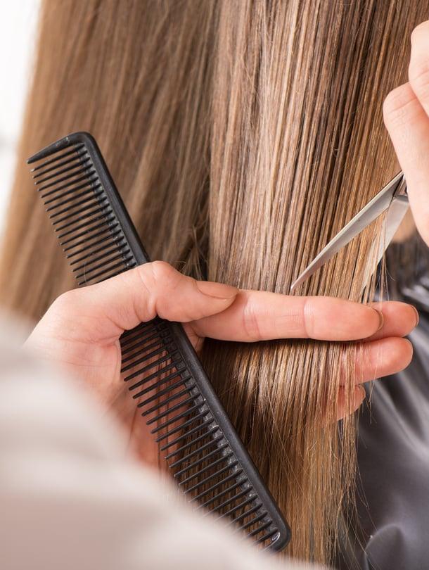Leikkauksella voi vaikuttaa siihen, miten hiukset asettuvat, ja saavuttaa monen toivoman täyteläisen ja taipuisan tukan.