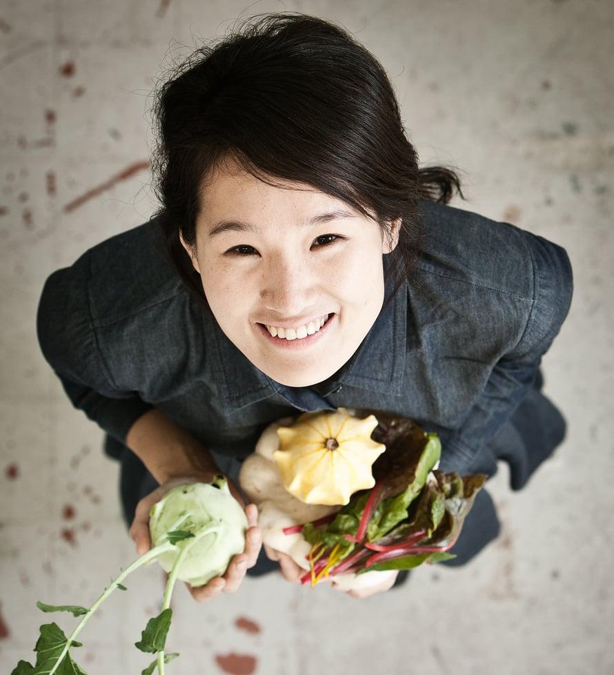 """Korealainen Jihyun Ryou tutkii vihannesten ja hedelmien säilymistä. Kuva: <span class=""""photographer"""">Kristof Vrancken</span>"""