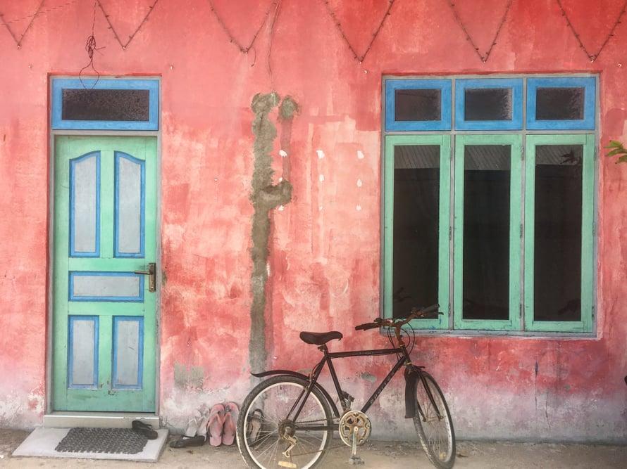 Maafushin klassikko (se toinen rannan lisäksi): Vaaleanpunainen ovi.