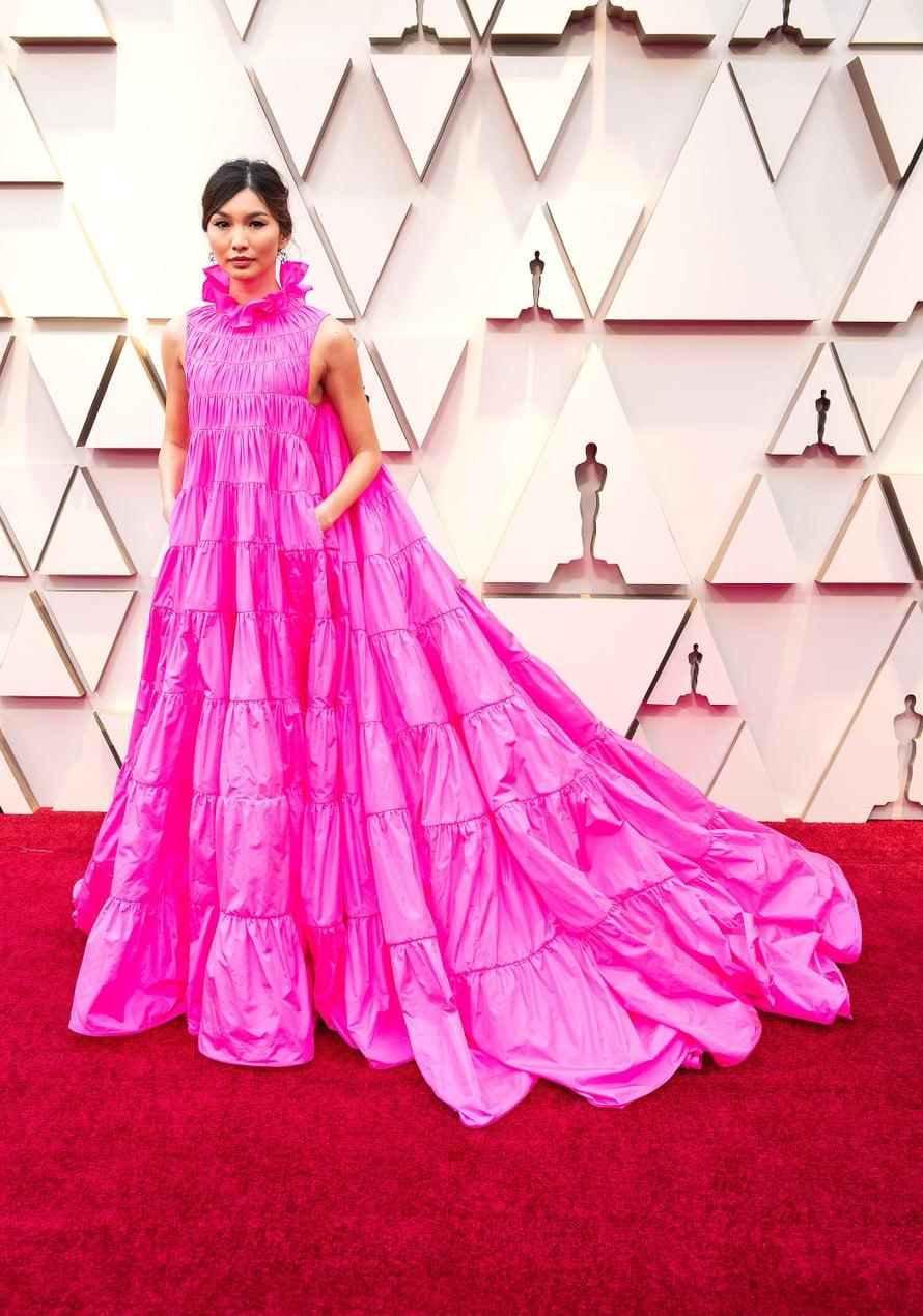 Näyttelijä Gemma Chanin Valentinon pinkissä unelmassa oli myös taskut.