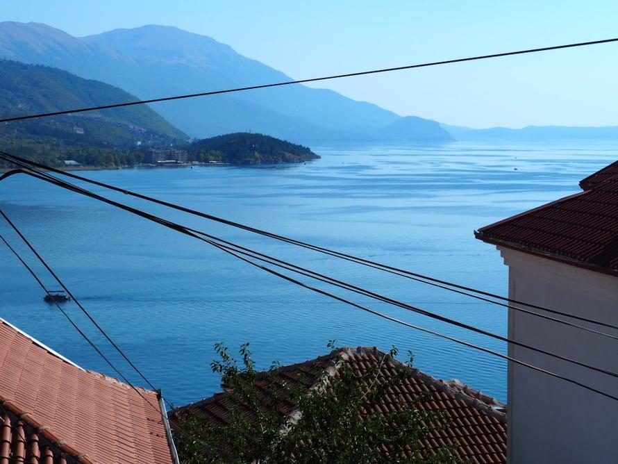 Näkymä parvekkeeltani Ohridjärvelle.