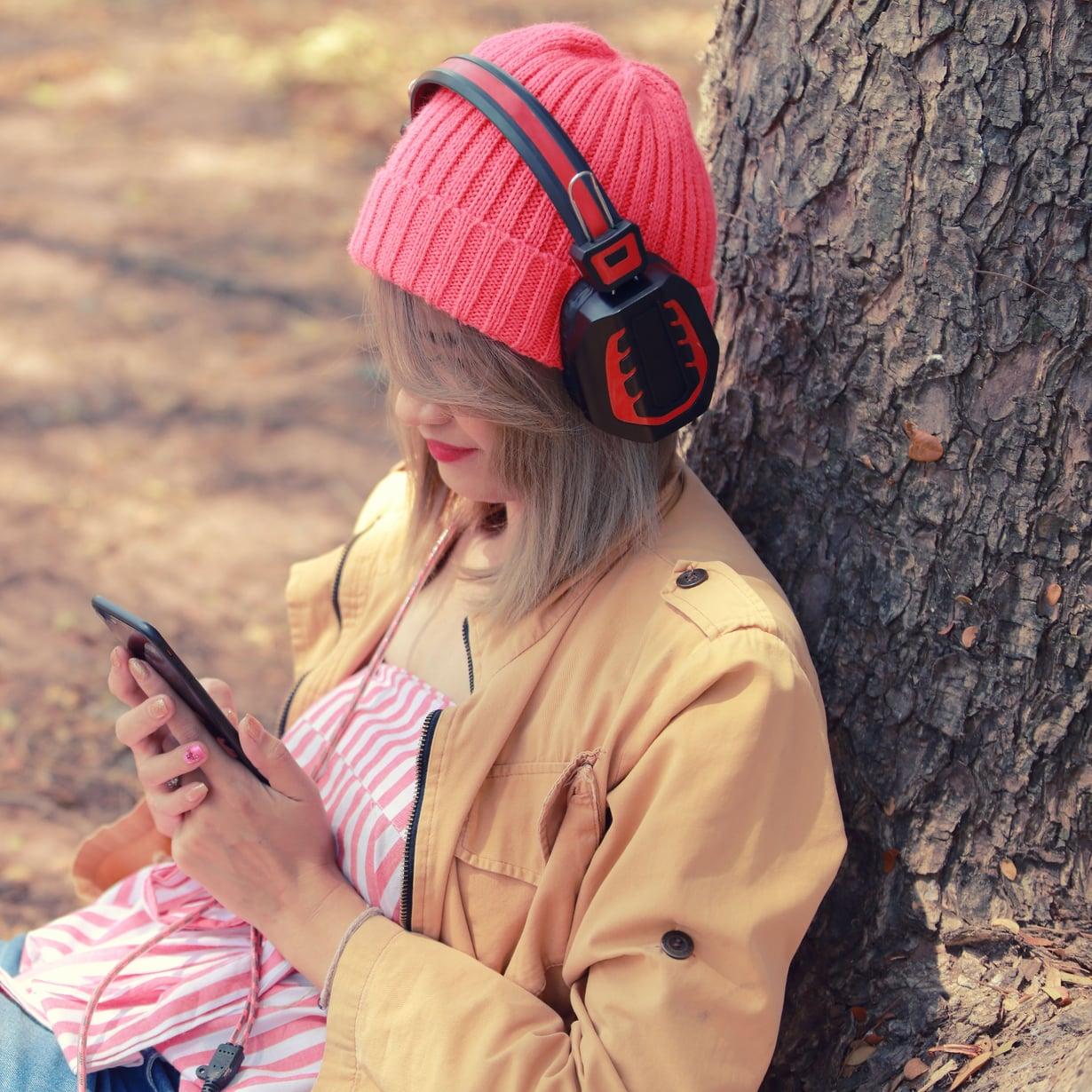 Hyvät kuulokkeet ovat misofoonikon pelastus. Kuvituskuva.