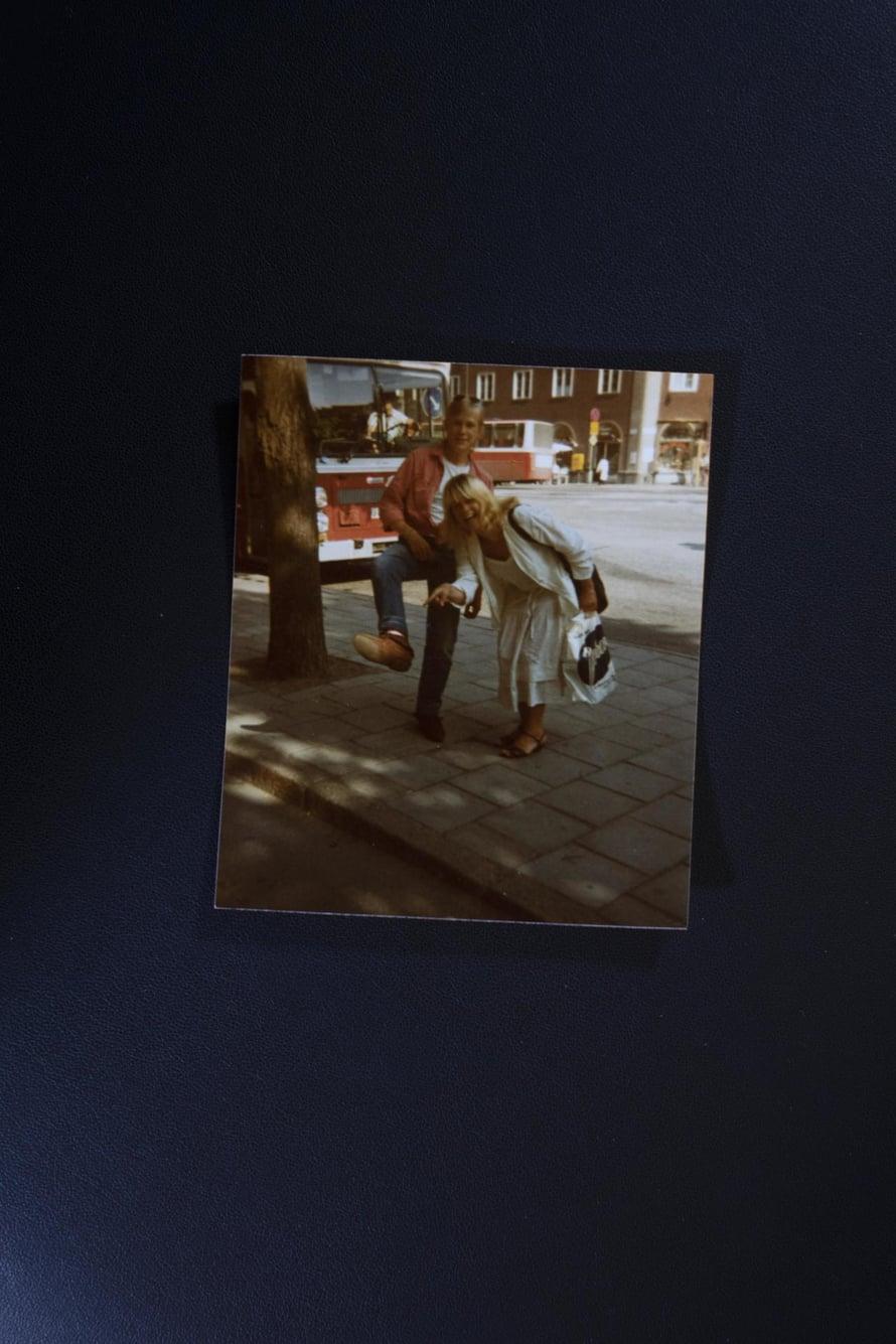 1980-luvulla.  Liikenteessä teini-ikäisen Samulin kanssa.