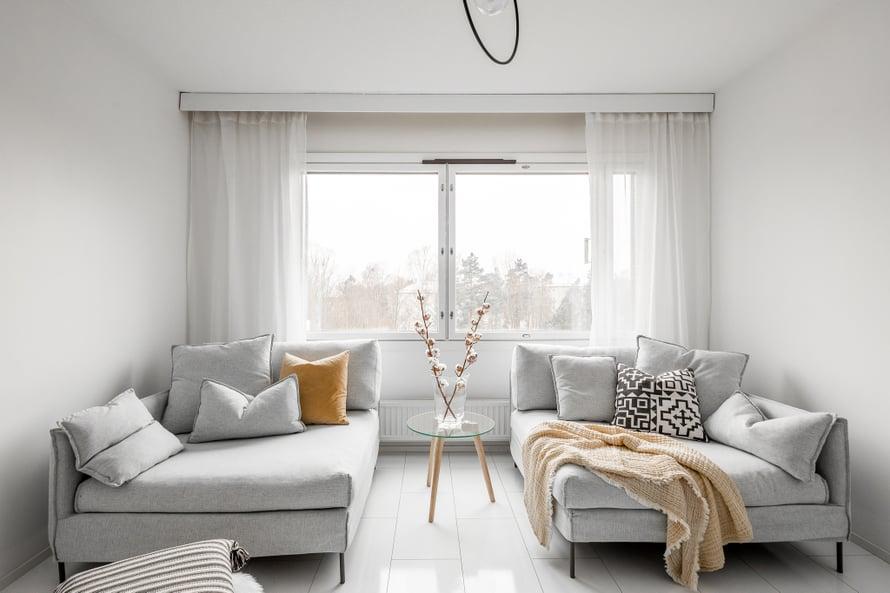 Jenny Nyman stailaa asunnot aina myyntikuntoon ennen ensinäyttöä.