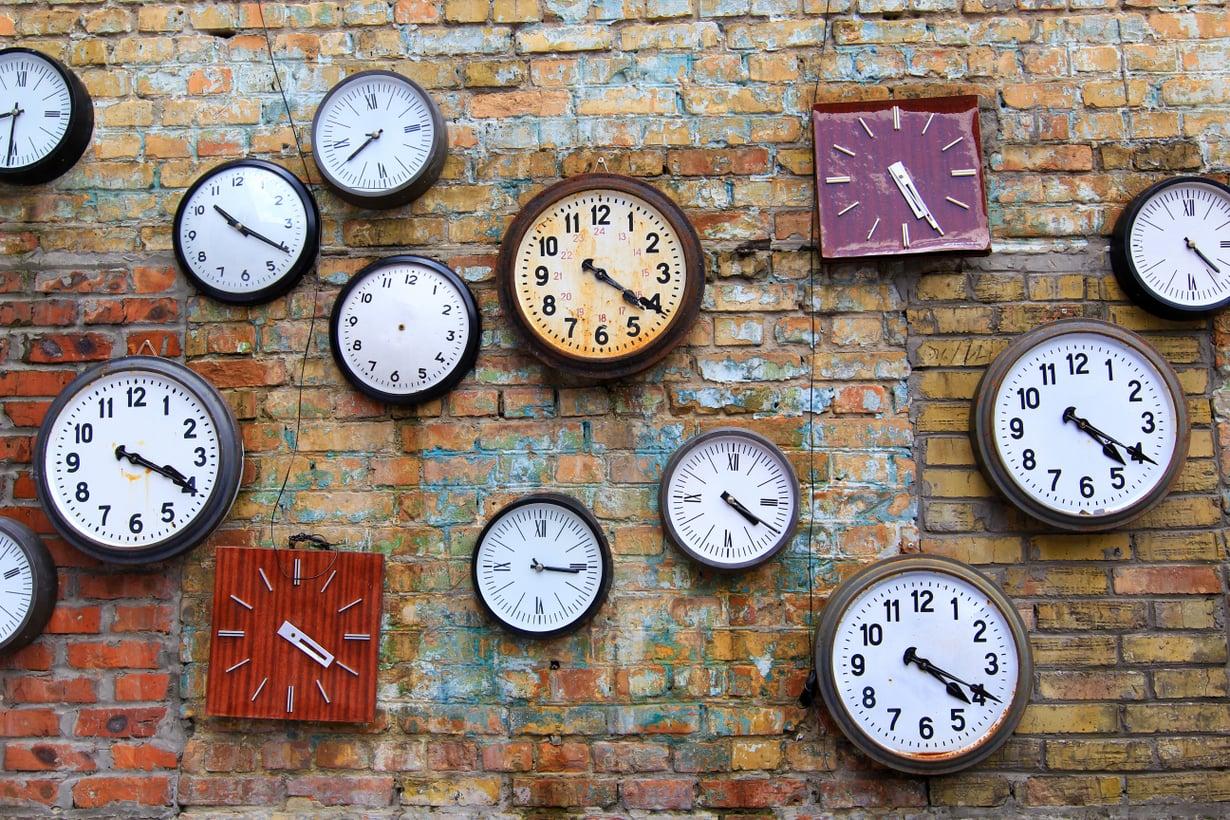 """""""Emme huomaa ajankulua, jos emme kiinnitä siihen huomiota"""" Esko Valtaoja sanoo. Kuva: Shutterstock"""