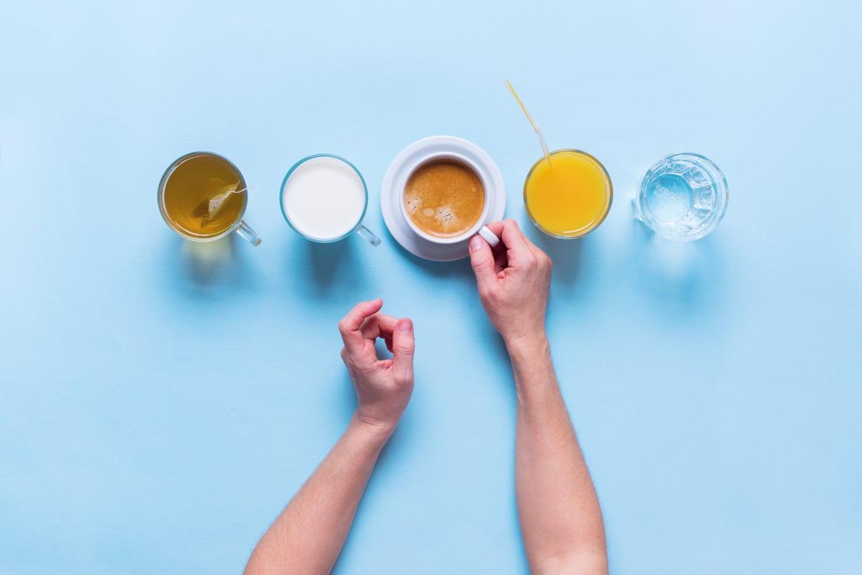 Myös runsas kahvin kittaaminen vaatii reippaasti vettä kaverikseen. Kuva: Shutterstock