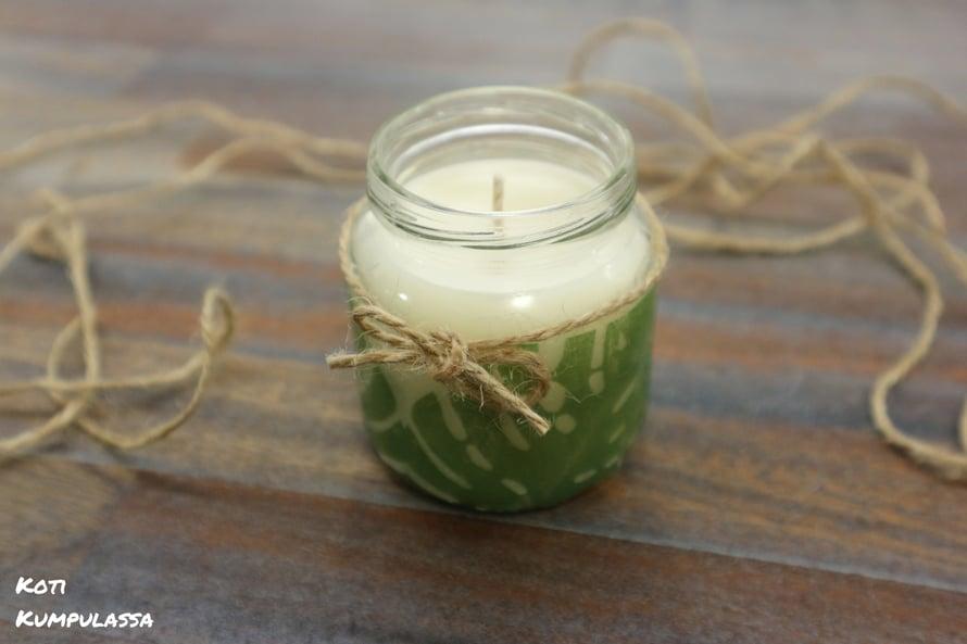 Itsetehdyt kynttilät ovat oiva lahjaidea näin talvikaudella.