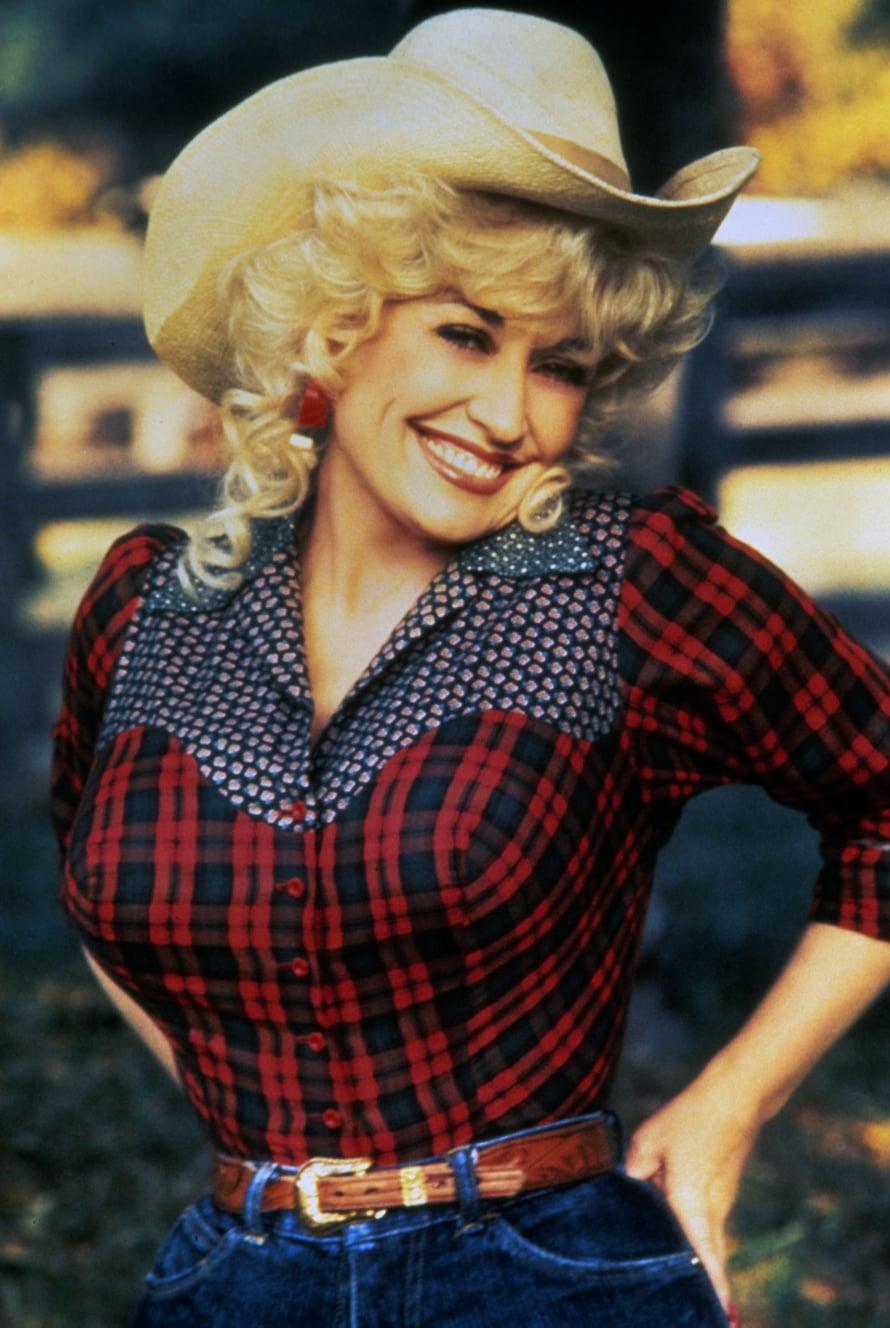Jolene on yksi Partonin suurimmista hiteistä. Se kuten myös I will always love you syntyivät jo 1970-luvulla.