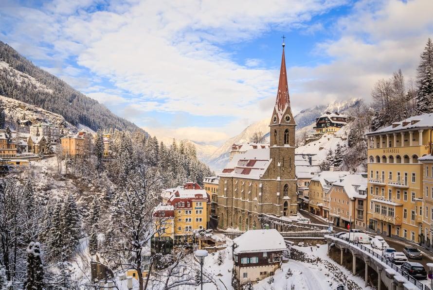 Itävallan Bad Gasteinissa pääsee lumisiin postikorttimaisemiin. Kuva: Shutterstock