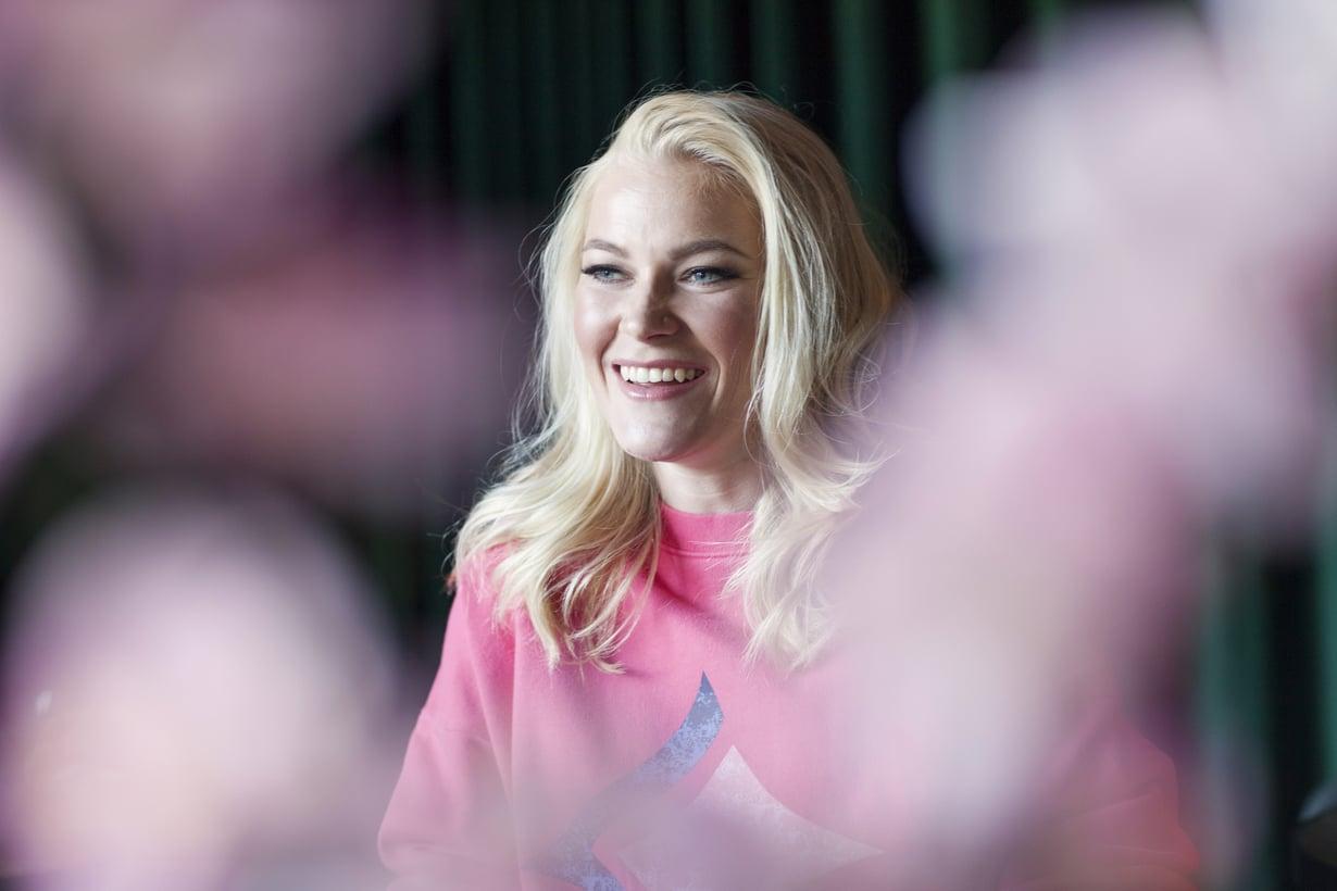 Noora Rädyllä on toinen ura junnujen maalivahtivalmentajana. Hänen tähtikouluunsa Yhdysvalloissa jonotetaan..