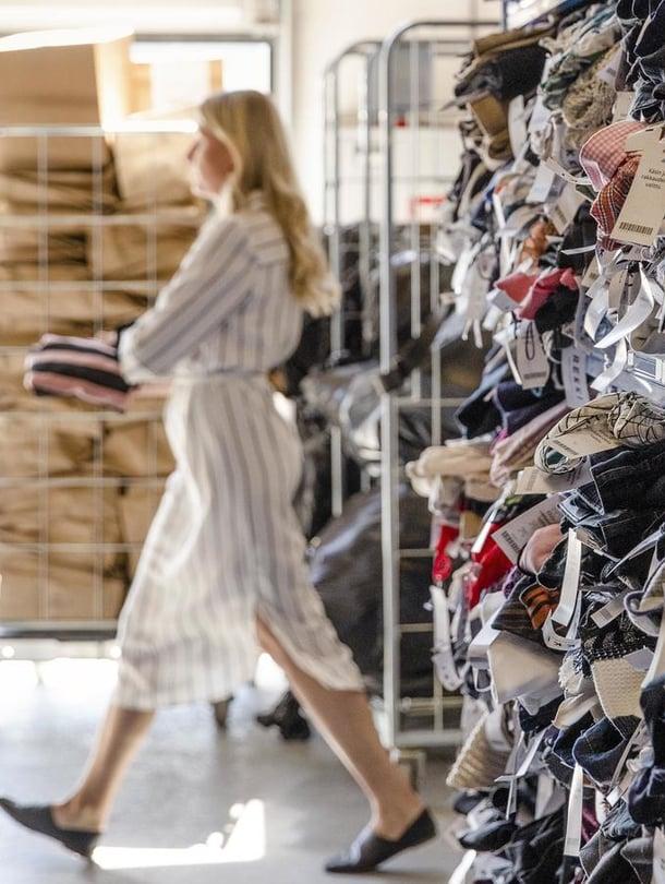 Saavatko nämä Rekin varastossa odottavat vaatteet vielä toisen mahdollisuuden?