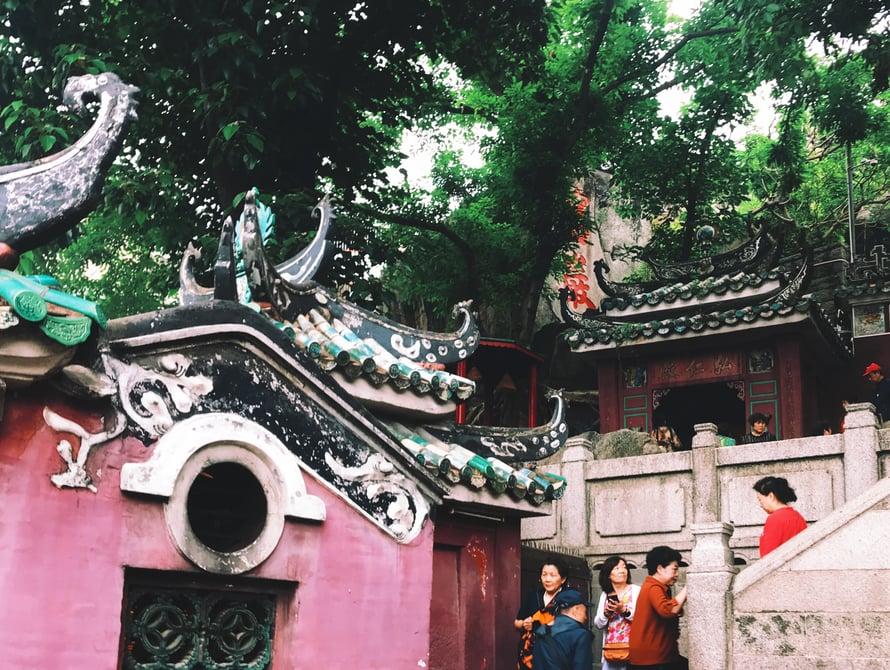 A-ma-temppelissä on paljon katseltavaa. Ja paljon portaita. Tässä on vain yksi pieni nurkkaus temppelistä.