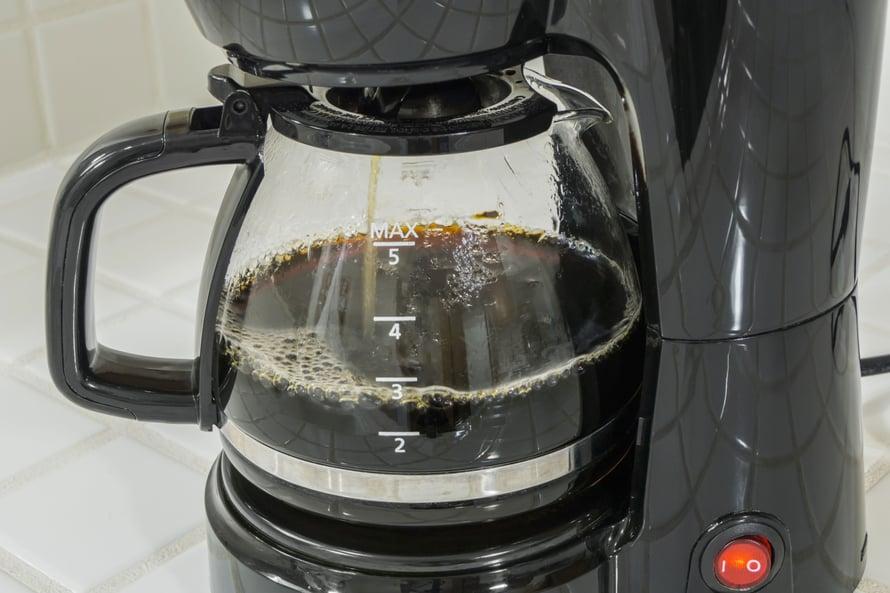 """Puhdas kannu, parempi kahvi, vai miten se sanonta nyt menikään. Kuva: <span class=""""photographer"""">Shutterstock</span>"""