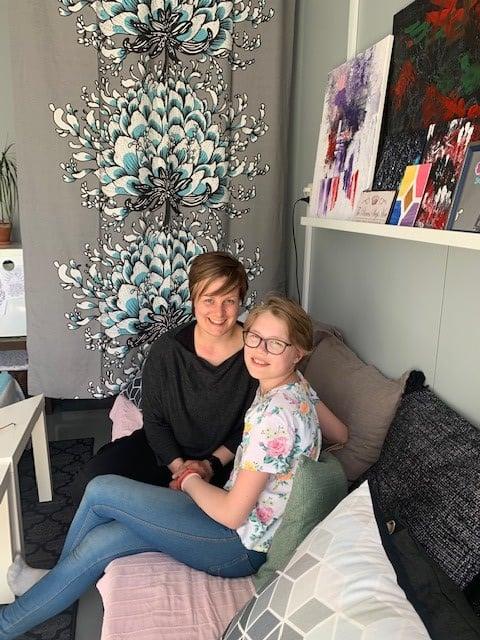 Elina Kotron remonttiapuna oli hänen pian 12 vuotta täyttävä tyttärensä Elsi Parkkinen.