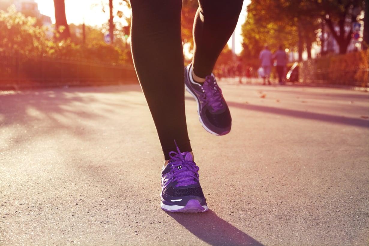 Eri liikuntamuodot vaikuttavat terveyteen hieman eri tavoin, mutta erot ovat pieniä. Tärkeintä on löytää laji, josta nauttii, sillä silloin motivaatio pysyy yllä. Kuva: Colourbox