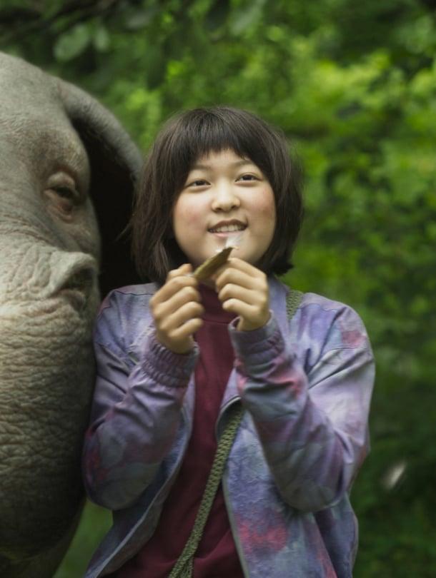 """Eteläkorealainen Okja kertoo pienen tytön ja hänen erikoisen """"possunsa"""" ystävyydestä."""