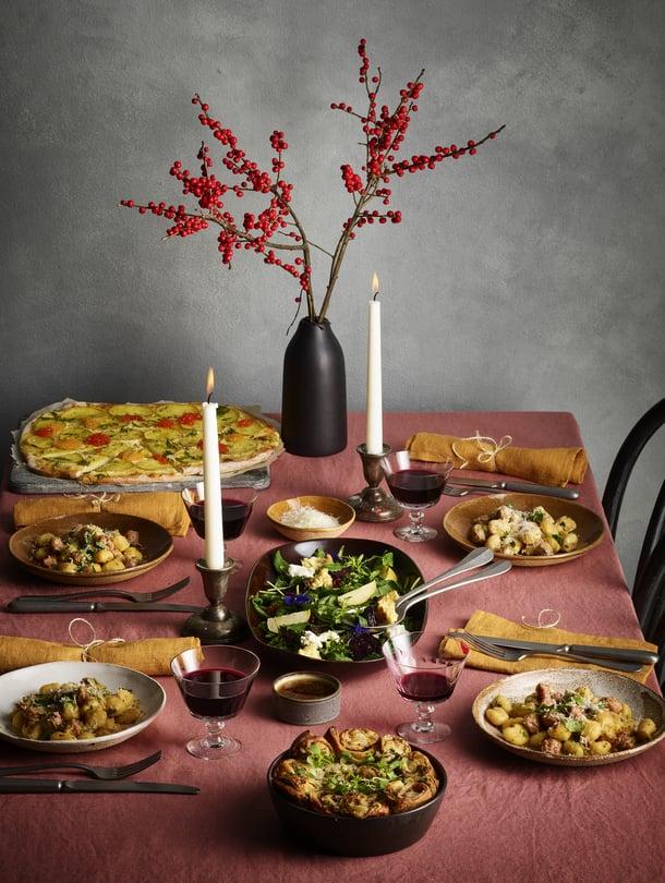 Italialaisen joulumenun viinikattaus kannattaa tietysti valita Italiasta.