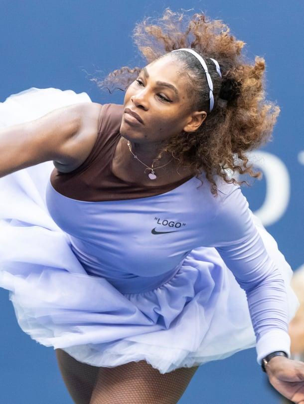 """""""On mahdollista olla samaan aikaan vahva ja kaunis"""", Serena kommentoi Virgil Ablohin suunnittelemaa tutua Voguelle."""