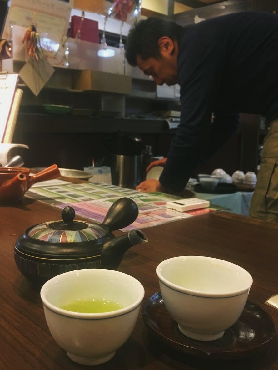 Parhaat teekannut ovat pieniä, korkeintaan kahden kupin kokoisia.