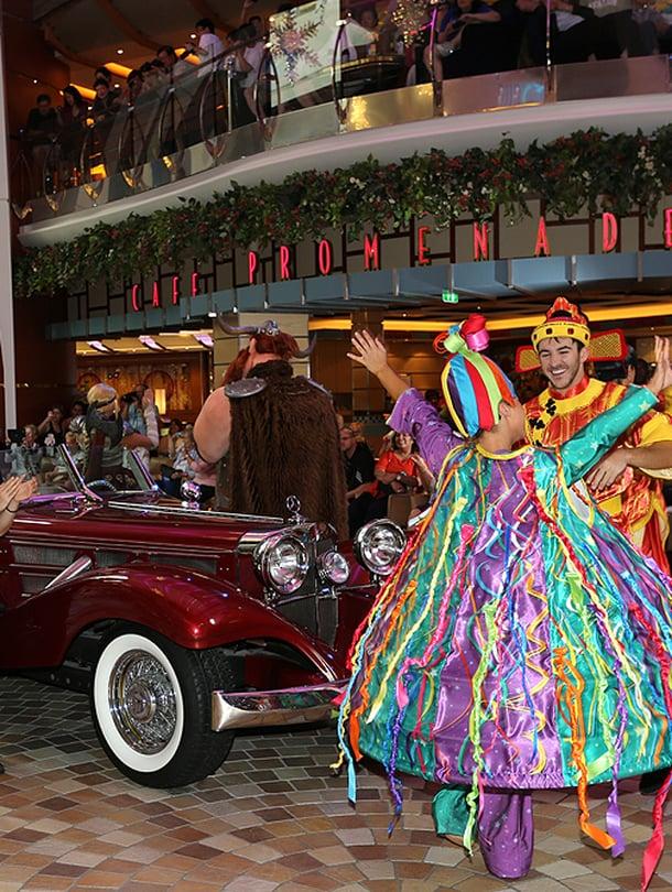 """Jäljennös 1930-luvun Mercedes-Benzistä Promenade-kannella. Kuva: <span class=""""photographer"""">Rick Nelson</span>"""