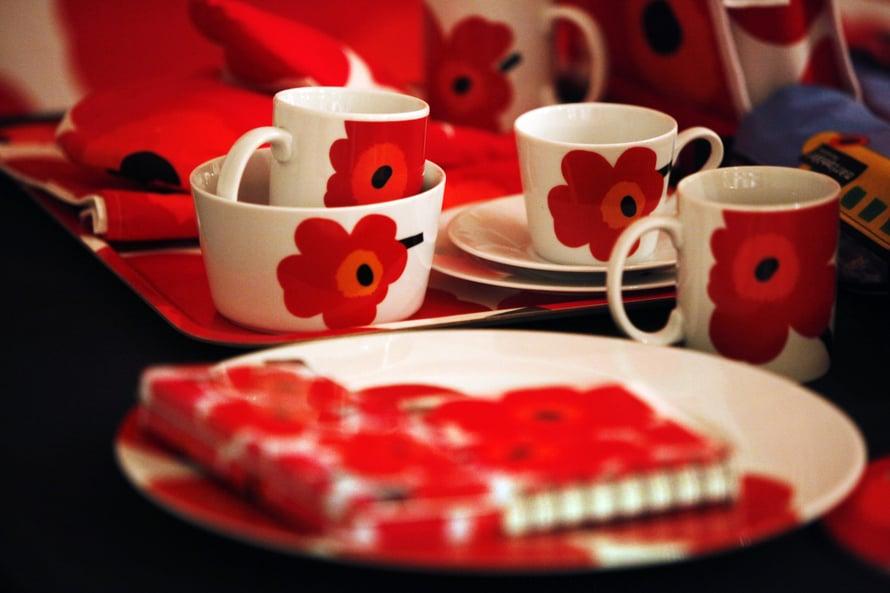 Unikko-tuotteita oli esillä Marimekon 60-vuotisnäyttelyssä Designmuseossa vuonna 2011. Kuva: Sirpa Räihä