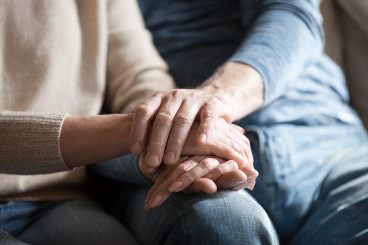 Parisuhdekriisistä yhdessä selviytyminen voi vahvistaa suhdetta.