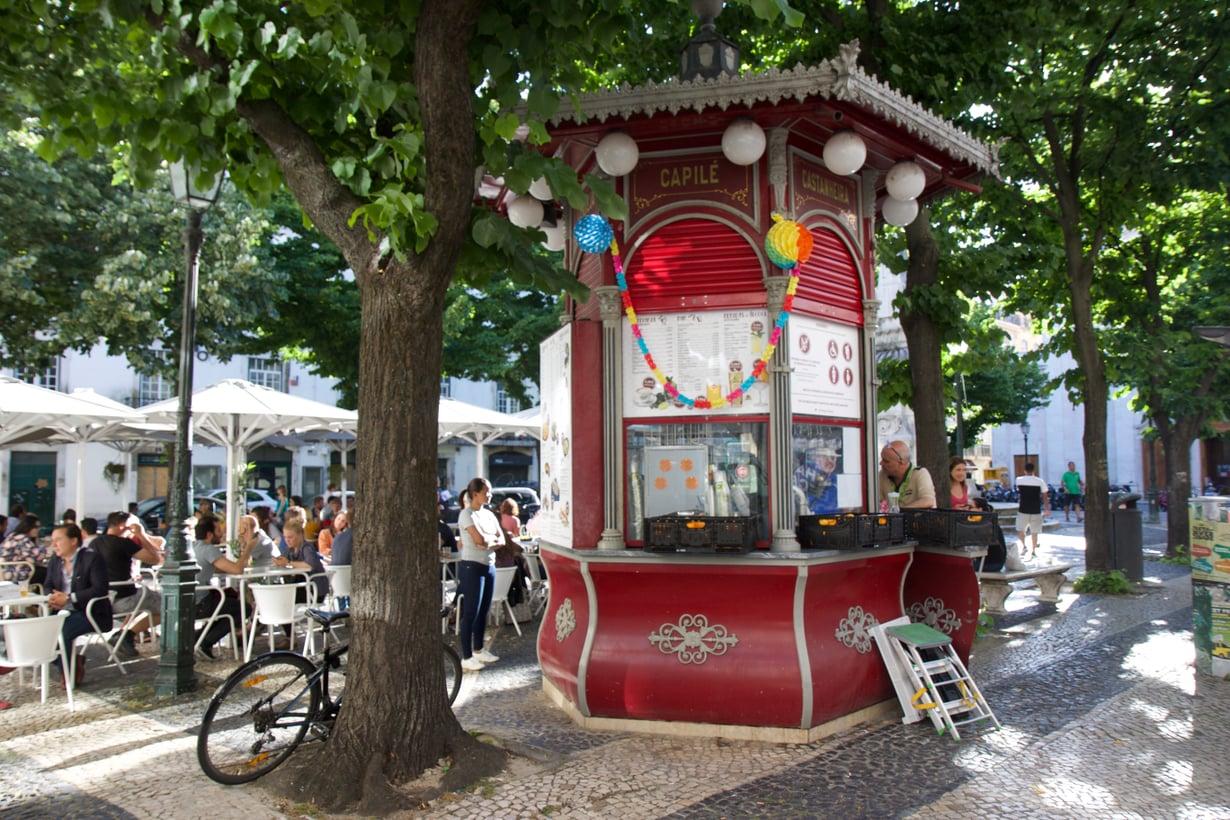 Largo de São Paulo -aukiolla on yksi Lissabonin kauneimmista kioskeista.