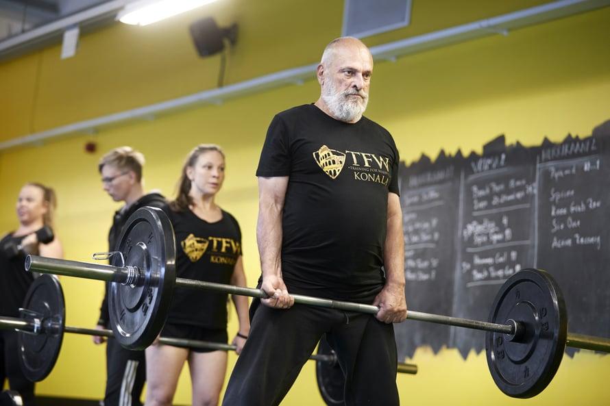 SeppoVerhonkunto alkoiheiketä eläkevuosien alussa. – Ymmärsin,ettei kevythyötyliikunta enää riitä, vaan tarvitsen voimaa.