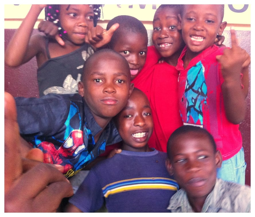 Maputon slummien lapsia.