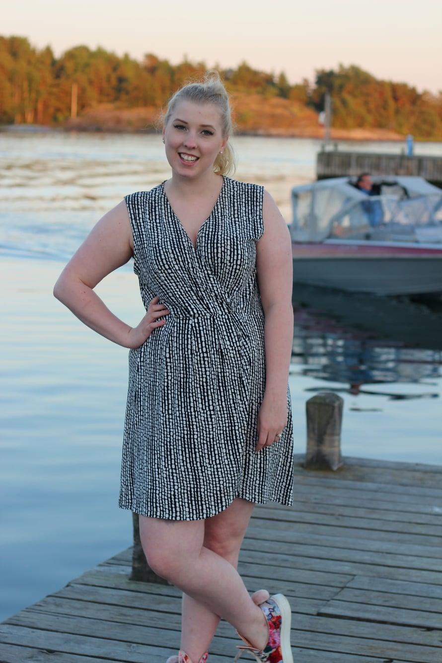Roosa Blom, 24, yllättyi siitä, miten paljon kirppismyynneillä tienasi.