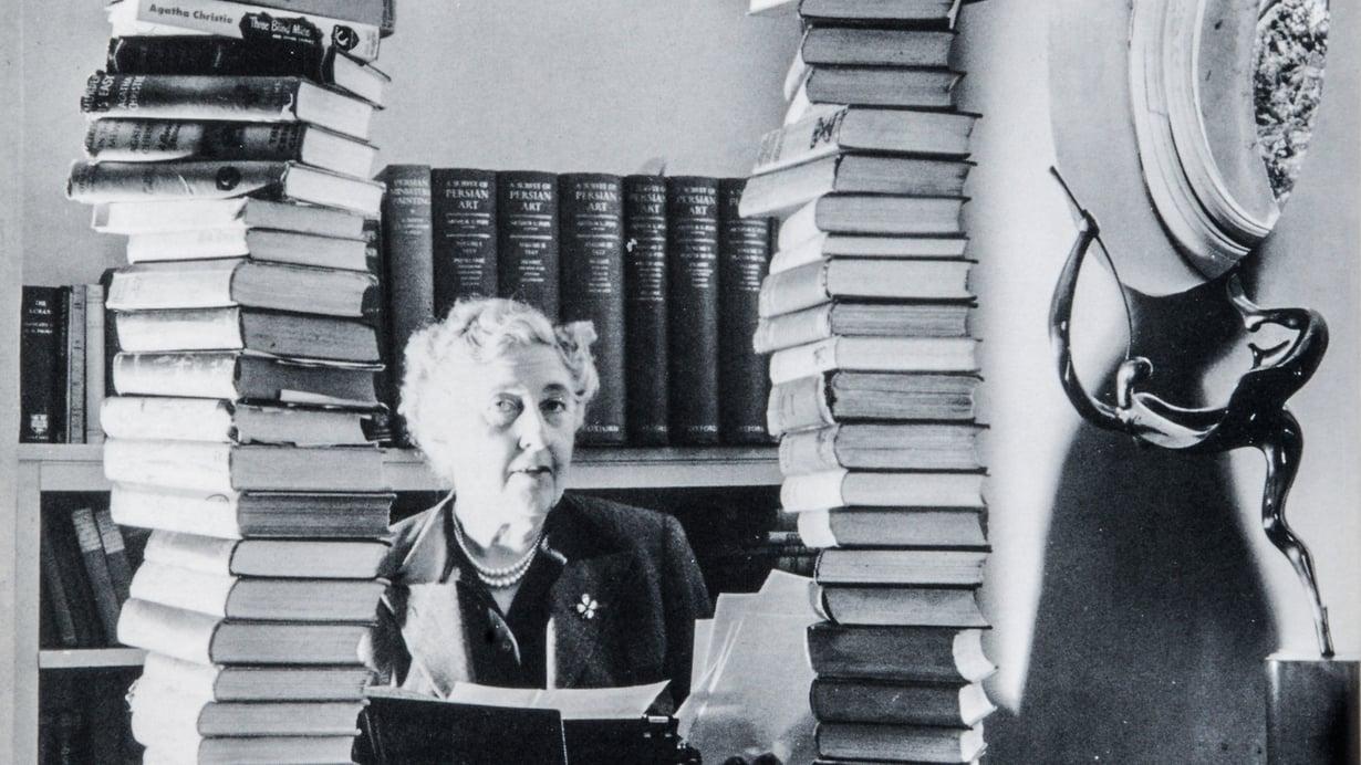 Agatha Christien kirjoja on myyty noin kaksi miljardia kappaletta ja niitä on käännetty 44 kielelle.