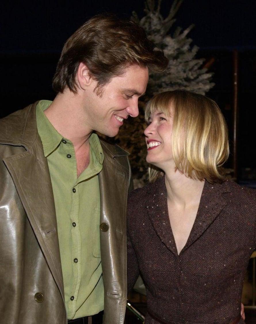 """Renée ja Jim Carrey yrittivät pitkään salata suhteensa, mutta tulivat lopulta julki. """"Nykyään viihdyn paljon yksin."""""""
