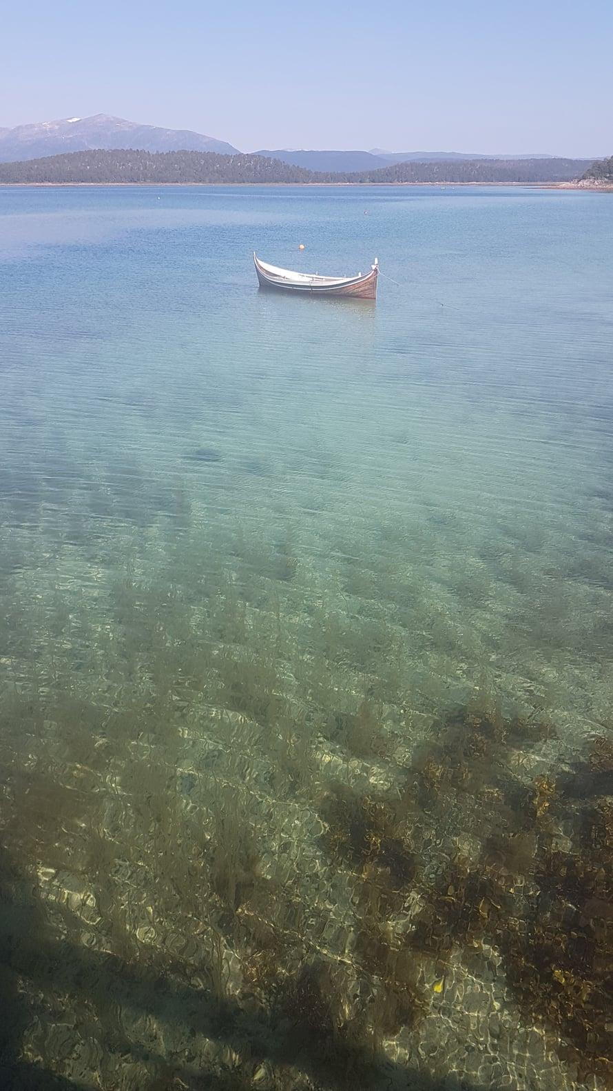 Senjalla merivesi on uskomattoman kirkasta.