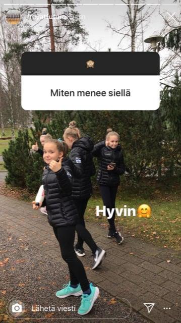 Esikoinen joukkueensa kanssa SM-rinkileirillä Kisakalliossa. Seuraan joukkueen meininkejä heidän omalta Instagram-tililtä.