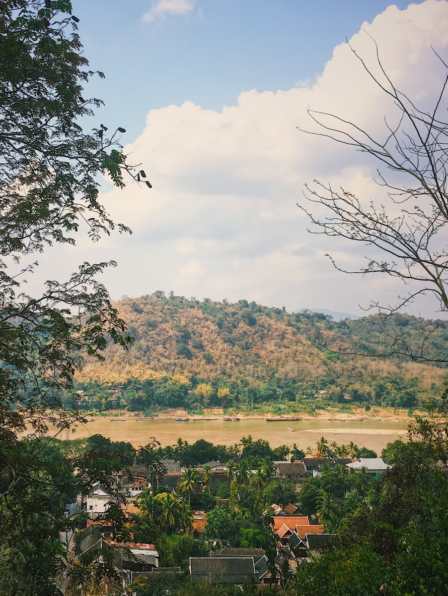 Luang Prabangin maisemia Laosissa.