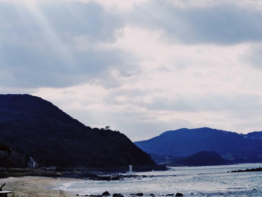 Vaikka Itoshiman nimeen sisältyy saari-pääte, se ei ole saari, vaan rannikkokaupunki Kyushun saarella.