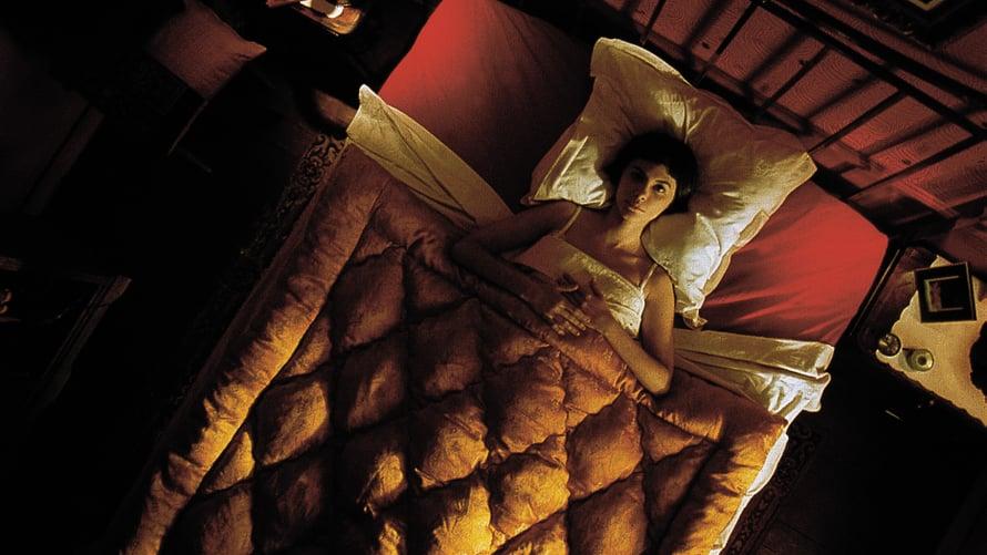 Hurmaava Audrey Tautou näyttelee Amélieta.