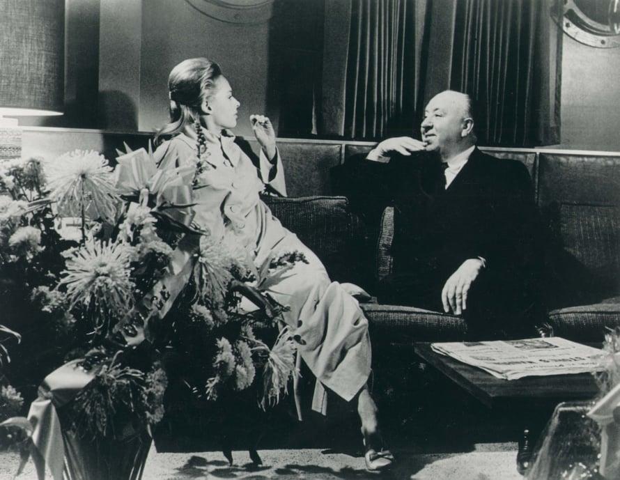 Alfred Hitchcock teki Tippistä oppilaansa, mutta muuttui julmuriksi naista kohtaan tultuaan torjutuksi.