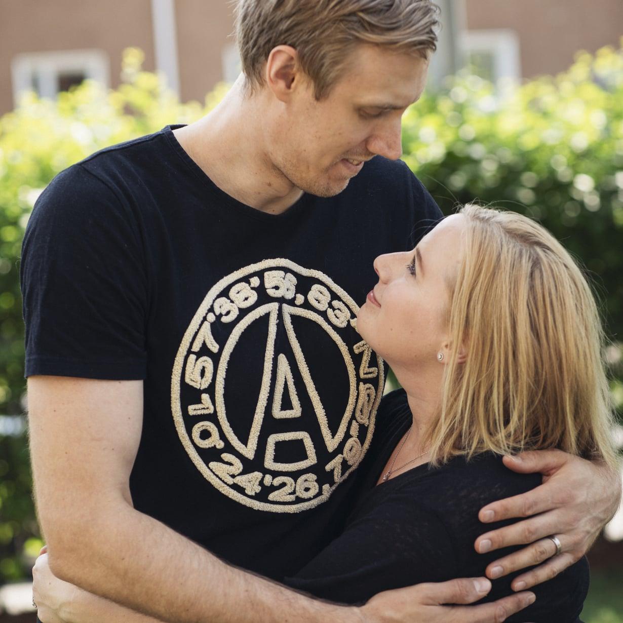 Marko ja Heidi Anttila ovat olleet yhdessä 13 vuotta. Parilla on 2-vuotias Iita-tytär. Kuva: Jouni Harala.