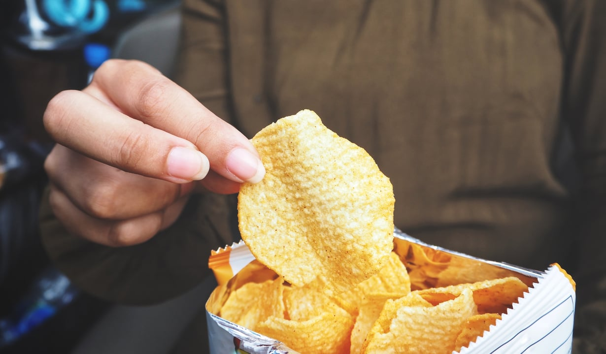 Pari sipsiä pahimpaan nälkään? Kuva: Shutterstock
