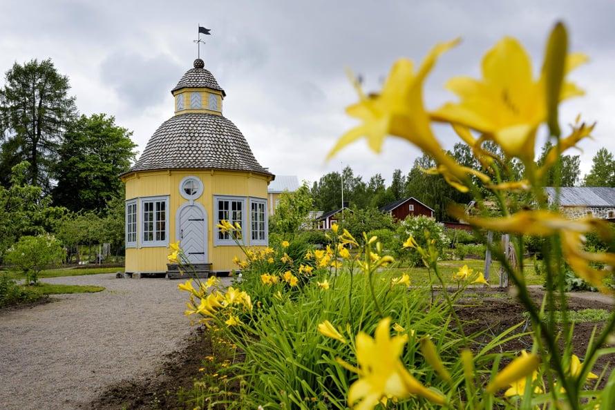 Aspegrenin puutarha Pietarsaaressa henkii historiaa.