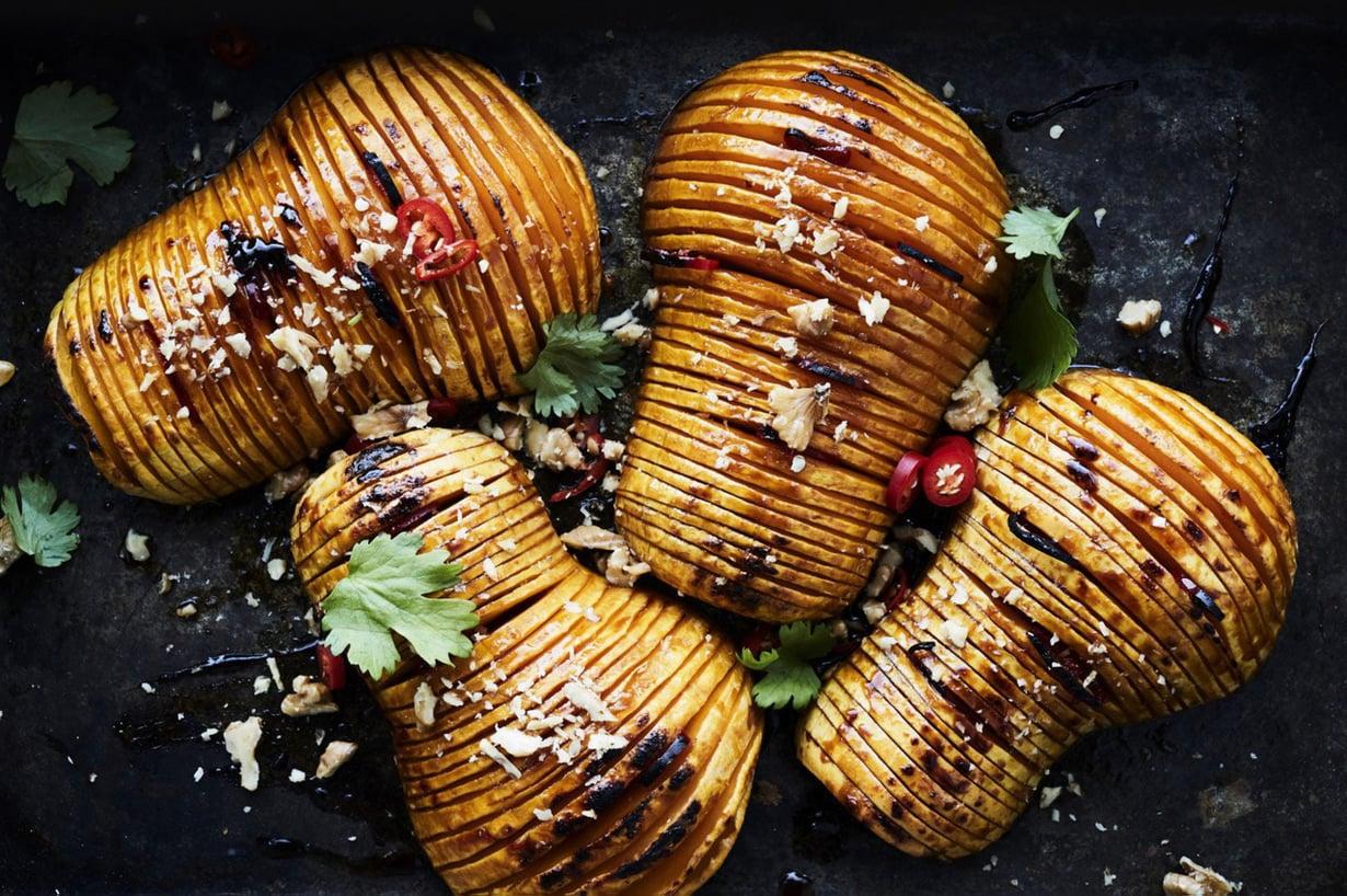 Viillä, mausta ja tuikkaa uuniin! Hasselbackan kurpitsat valmistuvat helposti.